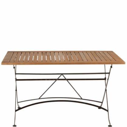 Zahradní stůl na kovových nohách